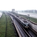 Hetzelfde treinstel ((672) bij de uitgang van de Schipholtunnel