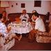 gezellig praatje (indoors)