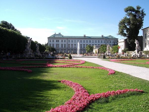 Salzburg _chloss Mirabell and garden