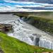 hd-achtergrond-met-een-rivier-met-watervallen-hd-wallpaper