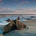 hd-strand-wallpaper-met-de-zee-het-strand-en-rotsen-hd-achtergron