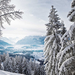 hd-winter-wallpaper-met-een-winterlandschap-met-sneeuw-bergen-en-
