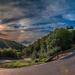prachtig-landschap-met-een-weg-door-de-bergen-hd-landschap-wallpa