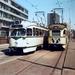 De 1202 en de 1210 van Lijn 1 op de Turfmarkt. 13-5-1982