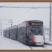 5039 lijn 11 staat in de sneeuwjacht in Scheveningen