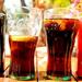 hd-achtergrond-met-twee-blikjes-en-twee-coca-cola-glazen-hd-wallp