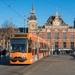 GVB 2088 met Simyo reclame vertrekt van Amsterdam Centraal