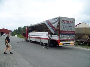 Reclame Schaap Logistics op zij en achterkant oplegger