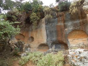 50 Romeinse rotsgraven in ancient -Eleftherna