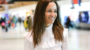 pippa-middleton-at-sydney-airport-on_cover_1920_1080_60_c1_c_t_0_