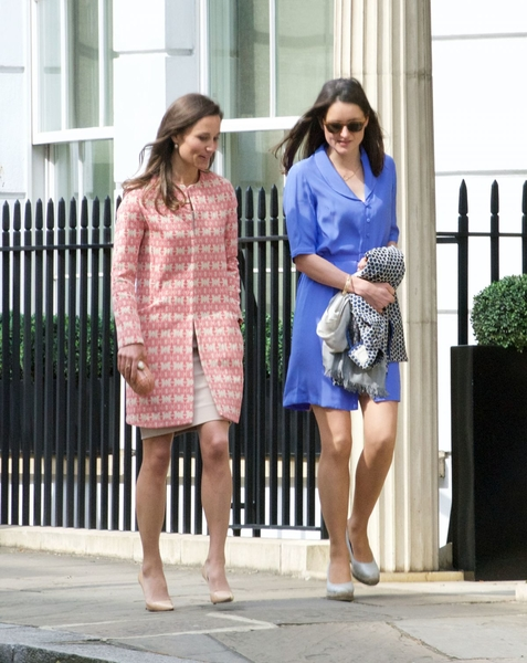 pippa-middleton-leaves-church-service-in-london-05-07-2017_14
