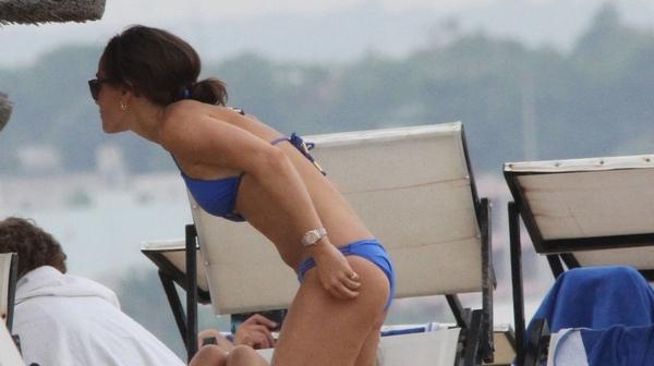 pippa-middleton-wearing-a-bikini-in-italy-september-2015_2