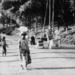 1954: wandeling in Thysstad (Mbanza Ngungu)