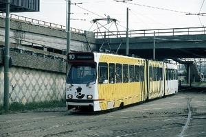 3056 Gezellige tramdrukte in de Rijnstraat  29-04-1998