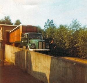 Scania 76 + Vee trailer