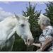 20100917_IGP9928_Oma bij wit paard 2_72