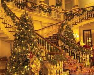royal_christmas_decoration_tree_palace-gyJP