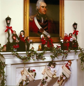 victorian-christmas-carolers-figurines-decorating-tips-display-ga