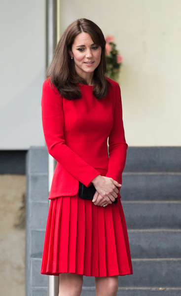 kate-middleton-skinny-red-dress