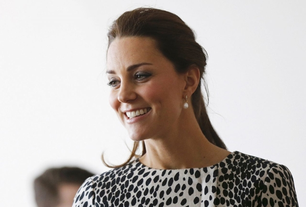 kate-middleton-style-visiting-the-turner-contemporary-gallery-in-