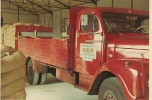 24. Scania 8 lossen bij Veembedrijf