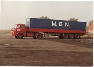71. Scania 32 met huifoplegger