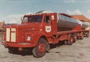 73. Scania 33, 110  super
