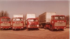 89. Daf DO en Scania's met NYK containers