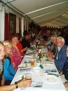 Eetfeest in de tent als slot