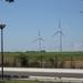 Zicht op de vele windmolens