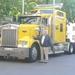 Leo vvor de truck van Vlaams Belang